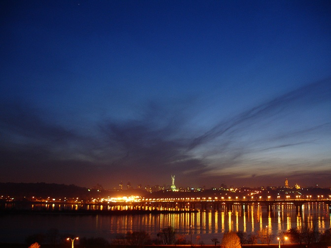 Kyiv_at_night